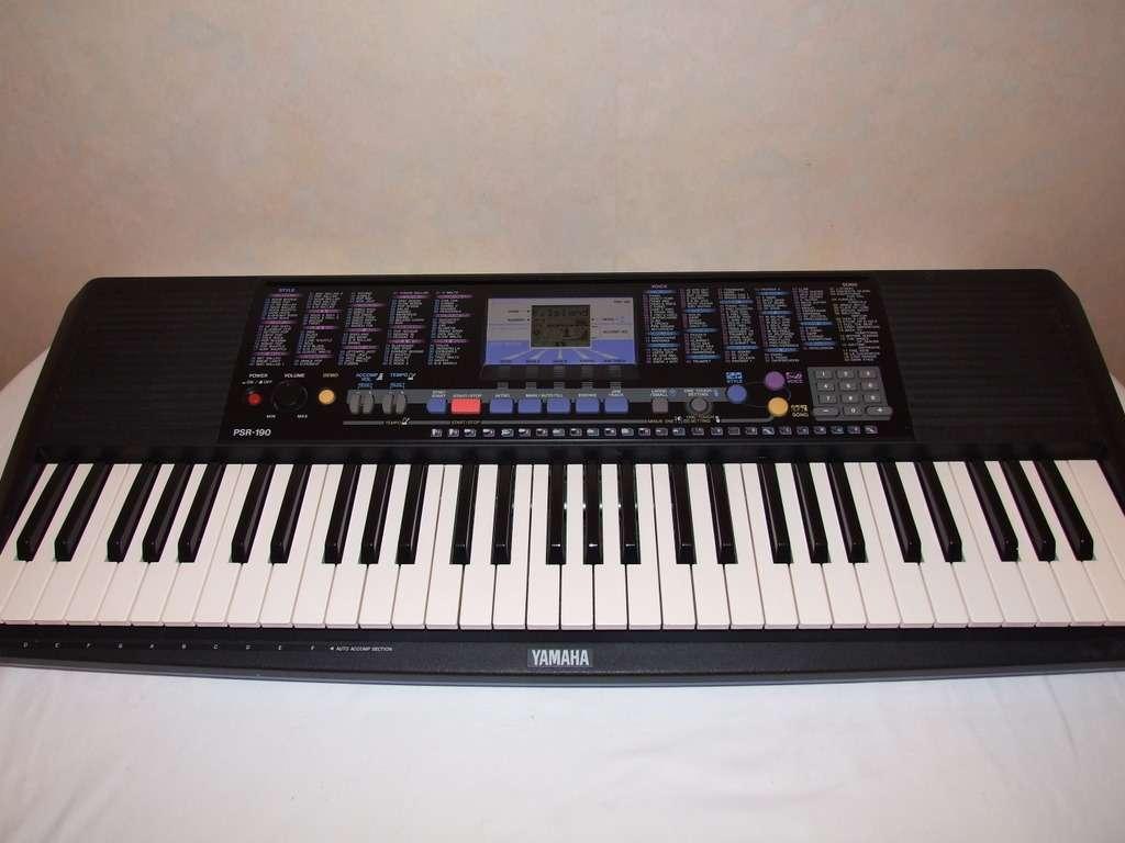 yamaha psr 190 keyboard with ac adaptor ebay. Black Bedroom Furniture Sets. Home Design Ideas